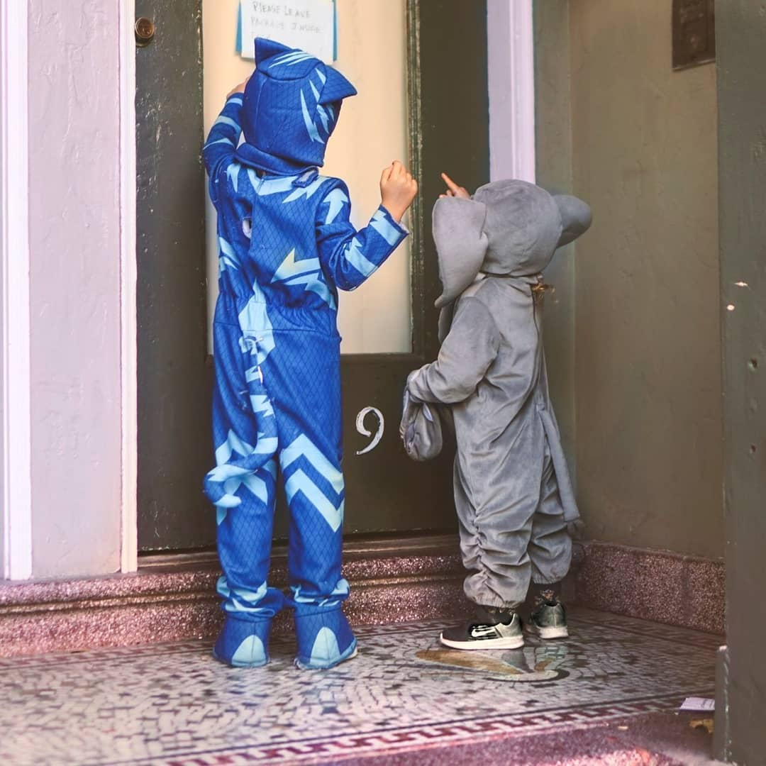 When catboy and elefantito knock at your door Trick or Treat…..frenchmom trickortreat …