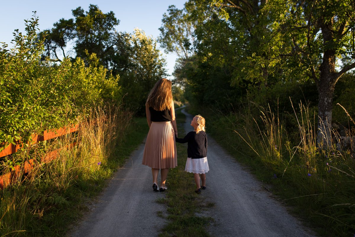How To Teach Kids To Praise Others preschoolers