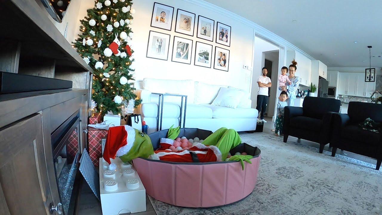 THE GRINCH SCARE PRANK FUNNY KIDS PRANK PARENTS PRANK ON KIDS ON CHRISTMAS 2020 EXPERIENCE